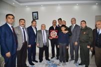 Vali Şentürk, Kayseri'deki Hain Saldırıda Şehit Olan Askerlerin Ailelerini Ziyaret Etti