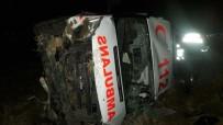 Ambulans Şarampole Devrildi Açıklaması 3 Yaralı