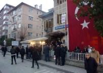İLKER AYRIK - Müjdat Gezen Sanat Merkezi'ne Yapılan Saldırı Protesto Edildi