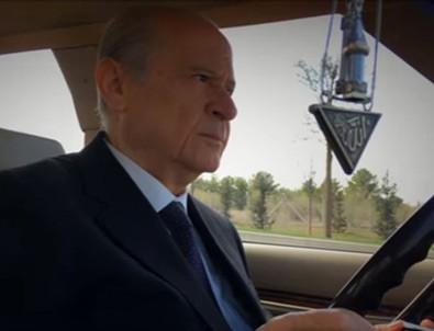Devlet Bahçeli, yeni klasik otomobiliyle Ankara turunda