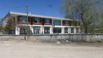 Cihanbeyli'ye Gençlik Merkezi İnşaatında Sona Yaklaşılıyor