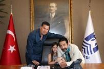 OKAN BAYÜLGEN - Okan Bayülgen'in Kızı Başkan Oldu
