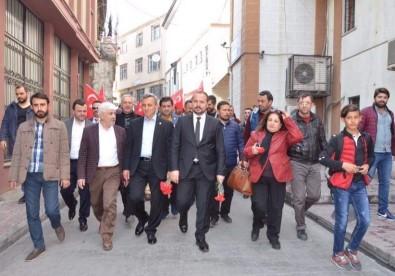 Beyoğlu'nda Yeni Anayasa Sistemi 'Sevgi Yürüyüşü' İle Anlatıldı