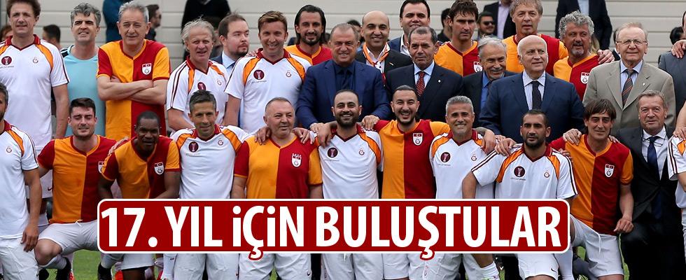 Galatasaray, UEFA Kupası şampiyonluğunun 17. yılını kutladı