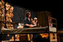 TUĞRUL TÜLEK - Ünlü Oyuncular Mülteci Sorununu Tiyatro Sahnesine Taşıdı