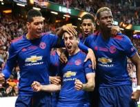 UEFA AVRUPA LIGI - Manchester United kupaya uzandı