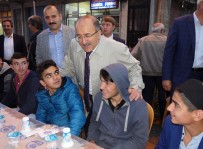 Gümrükçüoğlu, Geleneksel Halk İftarlarının Startını Hayrat'ta Verdi