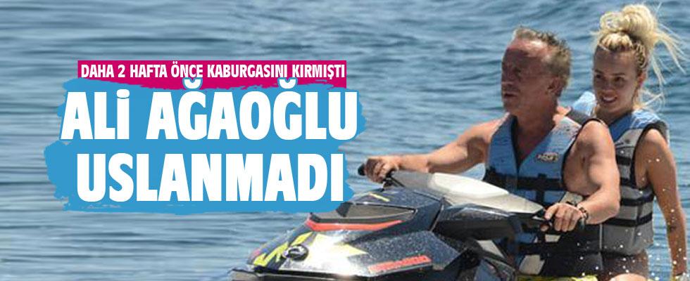 Ali Ağa sevgilisiyle jet ski'de