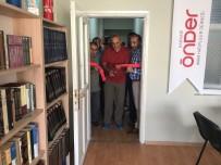ADIL DEMIR - Hakkari'de 'Kitap Kafe Gençlik Merkezi' Açıldı