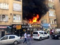 HALIDE NUSRET ZORLUTUNA - 7 Katlı Binada Çıkan Yangın Paniğe Neden Oldu