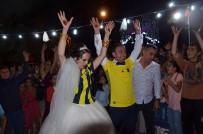 KÖY DÜĞÜNÜ - Fenerbahçeli Fanatik Gelin Damat Düğünde Forma Giydi