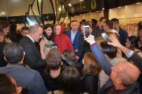 LINDSAY LOHAN - Gelinlik Fuarında Hande Yener İzdihamı