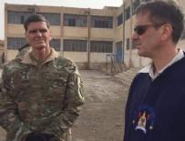 ABD'li komutan PYD'li teröristleri ziyaret etti