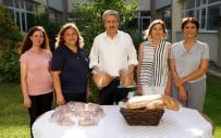 ÇAVDAR EKMEĞİ - Ege Üniversitesi'nde Günlük 12 Bin Ekmek Üretiliyor
