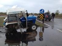 Traktör İle Cip Çarpıştı Açıklaması 4 Yaralı