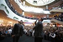 İBRAHİM BÜYÜKAK - Sinemaseverler Yol Arkadaşım 2'Nin İzmir Galasında Buluştu