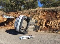 HAYDARLı - Gölbaşı'nda Otomobil Şarampole Yuvarlandı Açıklaması 2 Yaralı