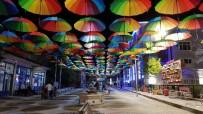 Tutak'ta 200 Öğrenci Sanat Sokağı'nda Kitap Okudu