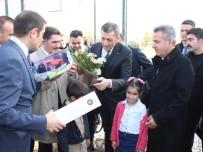 Bakanı Selçuk'un Programında Kız Öğrenci Bayıldı