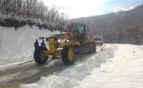 Karla Kapanan 36 Köy Yolunda Çalışmalar Sürüyor