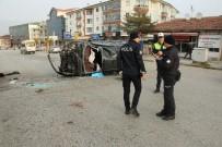 NATO - Otomobil Direğe Çarpıp Takla Attı Açıklaması 2 Yaralı