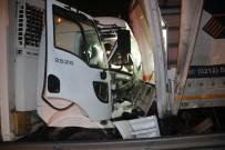 TEM OTOYOLU - Kamyon Önüne Aldığı Otomobille Tıra Arkadan Çarptı Açıklaması 1 Ölü, 2 Yaralı