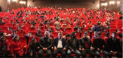 Muradiye'de Köy Çocukları Tiyatro İle Tanıştı