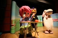 YASEMİN HADİVENT - Hem Yetişkinler Hem Çocuklar Tiyatro İle Eğlendi