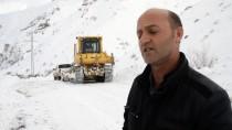 Ağrı'da Çığ Nedeniyle Yolu Kapanan Köye 7 Saatte Ulaşıldı