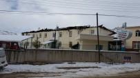 GÜNEYYURT - Hastane Çatısında Çıkan Yangına Kaynak Sebep Olmuş