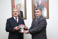 ESKIGEDIZ - Eskigediz Protokolünden Vali Toraman'a 'Hayırlı Olsun' Ziyareti