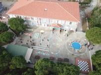 MUSTAFA KARAMAN - Okul Bahçesini Oyun Alanlarıyla Donattılar