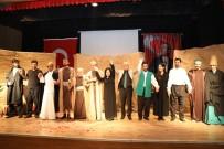 CEM KURTOĞLU - Kızıltepe'de 'Bir Garip Uveys' Tiyatrosu Sahnelendi
