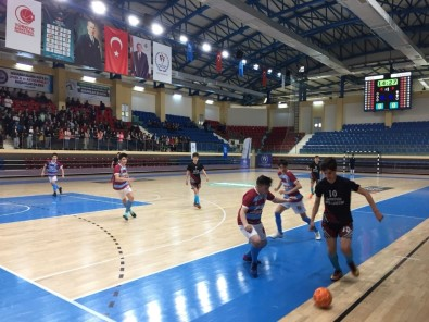 Futsal Grup Müsabakaları Yapıldı