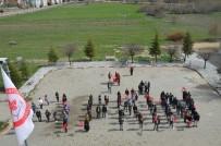 SDÜ Öğrencileri Bedenleriyle Afrin Yazdı