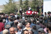 Kırşehirli Şehit Silah Arkadaşlarının Omuzlarında Uğurlandı