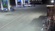 Akaryakıt İstasyonu Çalışanı Silahlı Gaspçıyı Etkisiz Hale Getirdi