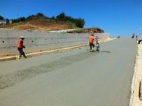 Hilvan'da Beton Yol Uygulama Çalışmaları Sürüyor