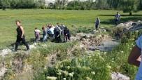 Taklalar Atan Araç Hurdaya Döndü Açıklaması 5 Yaralı