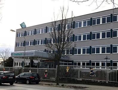 Almanya'da FETÖ'ye ait lise kapandı