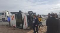 Hamile Kadını Taşıyan Ambulans Devrildi Açıklaması 6 Yaralı
