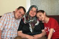 AHMET SELVI - Bedensel Engelli İki Çocuğuna Gözü Gibi Bakıyor