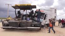 Şanlıurfa'da Tır Yol Çalışması Yapılan Alana Girdi Açıklaması 3 Yaralı