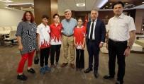 MUSTAFA ÜSTÜNDAĞ - Başkan Karaosmanoğlu, Şampiyon Öğrencileri Ağırladı