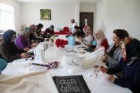 Kadınlar Hem Geleneklerini Yaşatıyor, Hem Ekonomilerine Katkı Sağlıyor