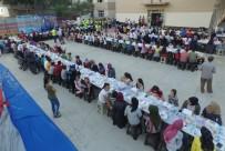 Sarıcakaya'da Yüzlerce Çocuk Aynı Sofrada İftar Açtı