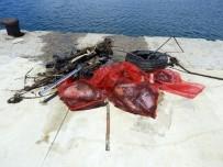 ELİF CANAN TUNCER ERSÖZ - Dalgıçlar, Saros Körfezi'nde Dip Temizliği Yaptı
