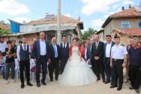 Vali Günaydın, Yalvaç'ta Düğüne Katıldı