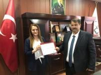 Turan, Ulusal Kalite Etiketi Almaya Hak Kazanan Öğretmene Ödülünü Verdi