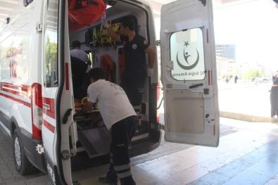 Elazığ'da Bıçaklı Kavga Açıklaması 3 Yaralı